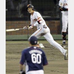 坂本は三回の本塁打を含む4安打5打点(C)日刊ゲンダイ