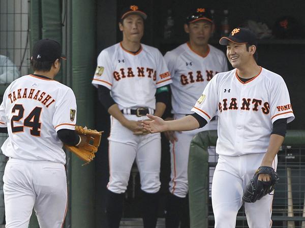 リーグトップの6勝目の菅野だがファン投票は…(C)日刊ゲンダイ