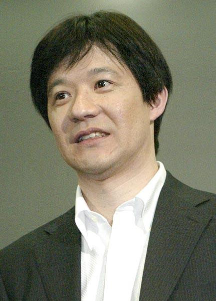 2005年の結婚会見(C)日刊ゲンダイ