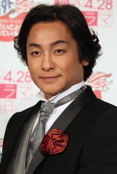 2年前の同名ドラマの中村獅童と同じ役(C)日刊ゲンダイ