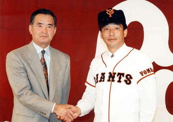 93年オフ、FAで長嶋巨人に入団した落合選手(C)日刊ゲンダイ