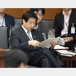 「謝罪文」の誤りをスルー(塩崎厚労相)/(C)日刊ゲンダイ
