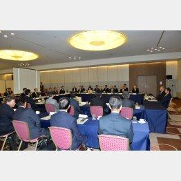 オーナー会議では「反対」が大多数だったが…(日本雑誌協会代表撮影)