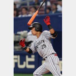 中日戦の九回、勝ち越しの2塁打を放った江越(C)日刊ゲンダイ