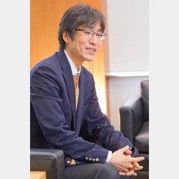 「安倍政権に強い危機感」と訴える施氏(C)日刊ゲンダイ