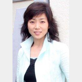 姑役を演じる藤吉久美子(C)日刊ゲンダイ