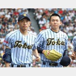 吉田(左)と小笠原の2枚看板(C)日刊ゲンダイ