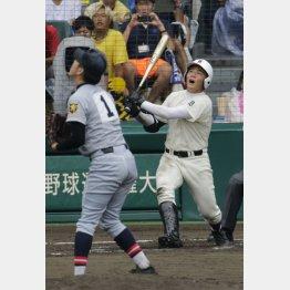 準決勝で仙台育英の佐藤投手に封じ込まれた清宮(C)日刊ゲンダイ