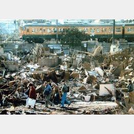 旧耐震基準の建物は阪神・淡路大震災で大きな被害に(C)日刊ゲンダイ