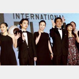 昨年の東京国際映画祭オープニングイベント(C)日刊ゲンダイ