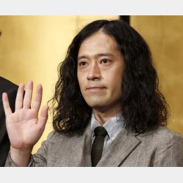 「火花」で芥川賞を受賞した又吉直樹