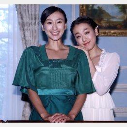 浅田舞と真央(右)姉妹(C)日刊ゲンダイ