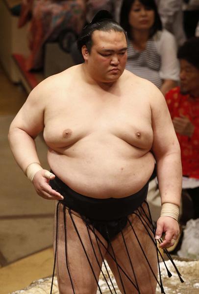 渾身の相撲で照ノ富士を突破も…(C)日刊ゲンダイ