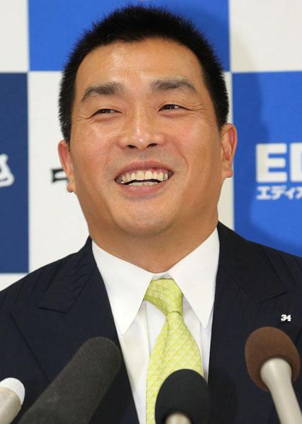 32年のプロ生活に幕(C)日刊ゲンダイ