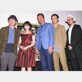 映画「本屋町DARUMA」の舞台挨拶(C)日刊ゲンダイ