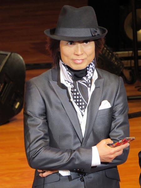 日本子守唄協会主催のコンサートにゲスト出演したつんく♂(C)日刊ゲンダイ
