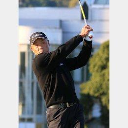 崎山武志は35歳でツアーデビュー