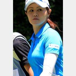 ゴルフ人気を盛り上げてきた諸見里しのぶの休養宣言は残念(C)日刊ゲンダイ