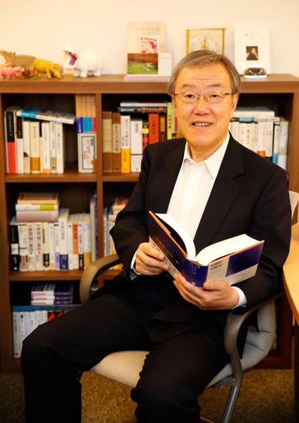 ライフネット生命の出口治明社長兼CEO(C)日刊ゲンダイ