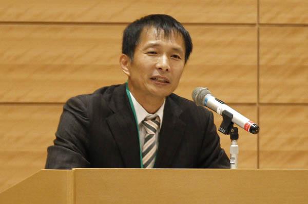 講演するソン・キホ弁護士(C)日刊ゲンダイ