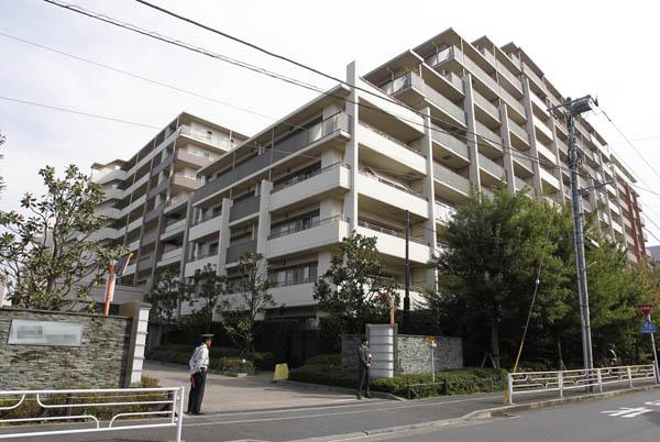 建物全体の問題だ(横浜市の傾斜マンション)/(C)日刊ゲンダイ