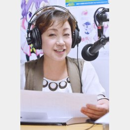 「練馬放送インターネットラジオ」のスタジオで(C)日刊ゲンダイ
