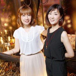 「花*花」のこじまいづみさん(左)とおのまきこさん(C)日刊ゲンダイ