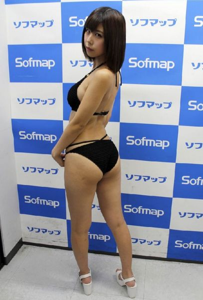 売名は否定もDVDタイトルは「ゆうこお姉ちゃん」(C)日刊ゲンダイ