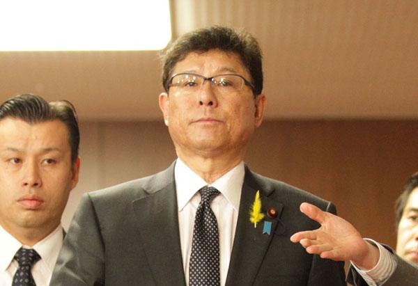 通常国会で安倍内閣の「盾」に(C)日刊ゲンダイ