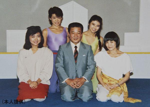 テレビ出演したときに小川宏さん、寺田理恵子さんと(提供写真)
