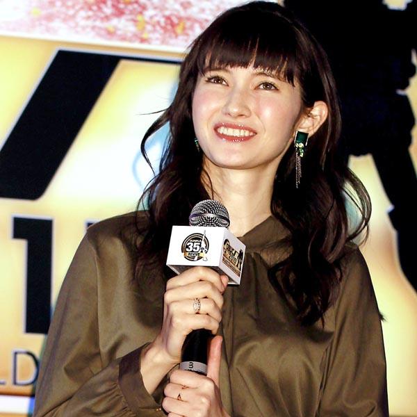 ガンプラ愛を興奮気味に熱弁(C)日刊ゲンダイ