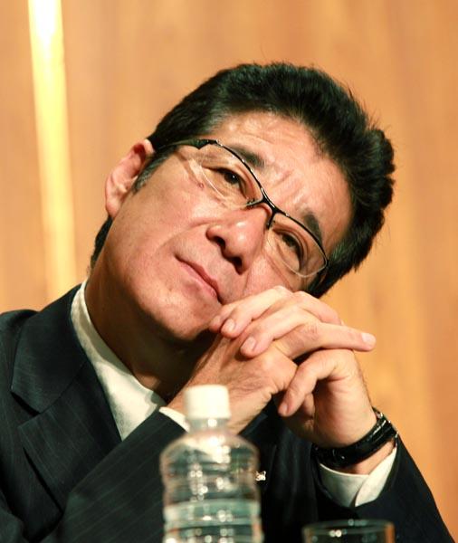 松井府知事は「夢よ再び」か(C)日刊ゲンダイ