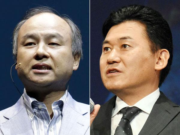 楽天の三木谷社長(右)とソフトバンクの孫社長(C)日刊ゲンダイ