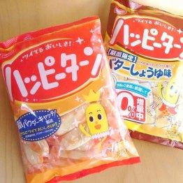軽い食感と甘じょっぱい粉のバランスが絶妙(C)日刊ゲンダイ