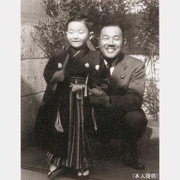 田中京氏と田中角栄氏(提供写真)
