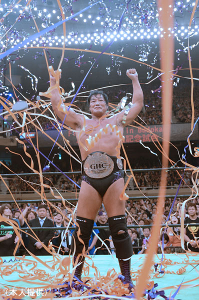 13年5月の引退試合、「FAINAL BURNING in Budokan」のラスト/(提供写真)
