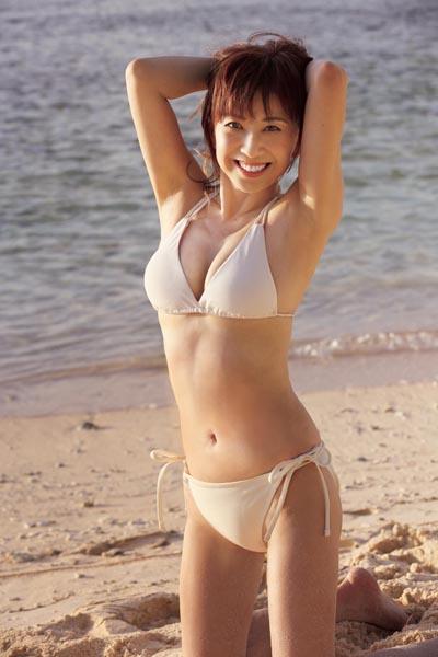 56歳でもこのセクシーボディー!(C)YOKO MIYAZAKI