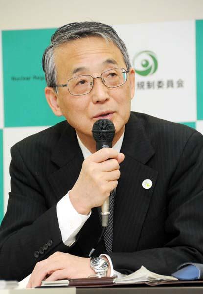 ムラの追認機関(原子力規制委の田中委員長)/(C)日刊ゲンダイ