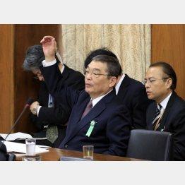 訪問販売にならない(籾井NHK会長)/(C)日刊ゲンダイ