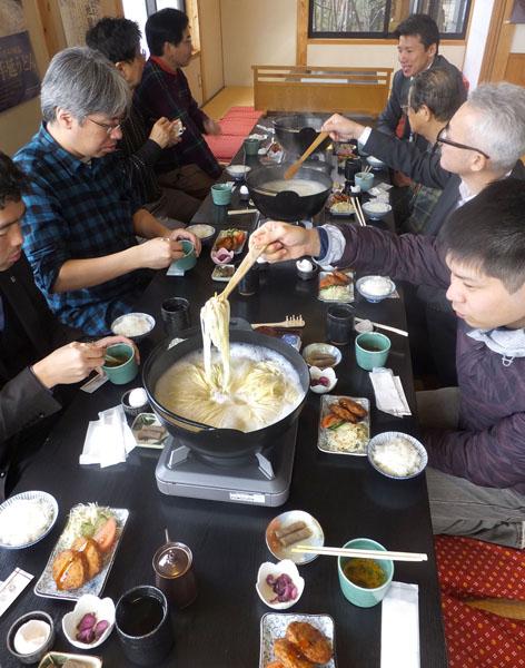 「うどん茶屋 遊麺三昧」の「地獄炊き」(提供写真)