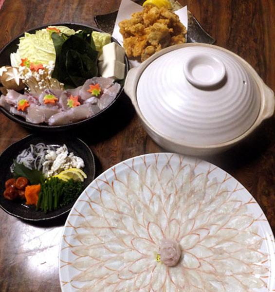 「海鮮料理 和泉苑」の長崎とらふぐ(提供写真)