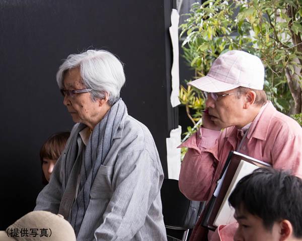 撮影工程のすべてを把握し、山田洋次監督(左)にぴたりと張りつく/(提供写真)