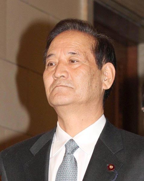 西川元農相が暗躍(C)日刊ゲンダイ
