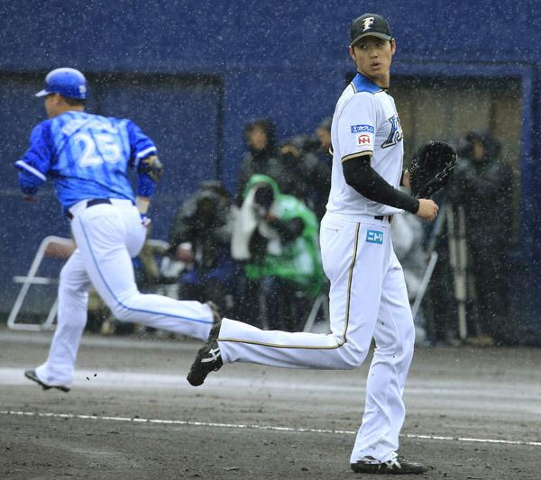 雨中での投球に「いい練習になった」と大谷(C)日刊ゲンダイ