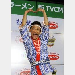 汗だくで「ひとり甲子園」「ひとり警視庁24時」(C)日刊ゲンダイ