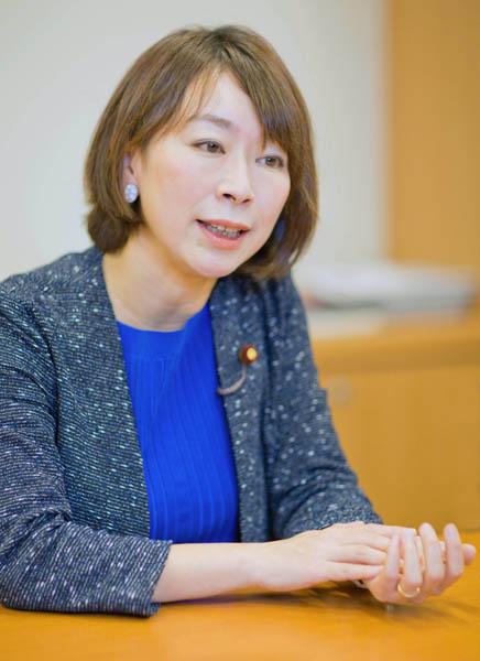 「保育園問題は今後も見ていて欲しい」と山尾志桜里議員(C)日刊ゲンダイ
