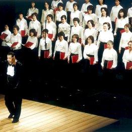 <第4会>40人の合唱団登場に客席はスタンディングオベーション