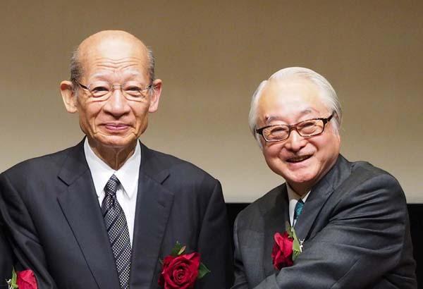 西室日本郵政社長(左)と長門ゆうちょ銀行社長/(C)日刊ゲンダイ