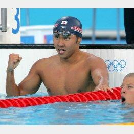 アテネ五輪では史上初の平泳ぎ2大会連続2種目制覇