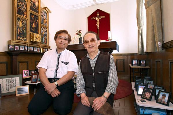 「きぼうのいえ」を取材に訪れた山本晋也氏と(C)日刊ゲンダイ